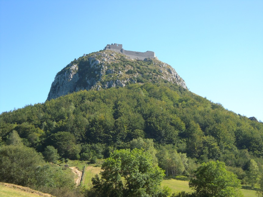 Montségur, impressionnante forteresse