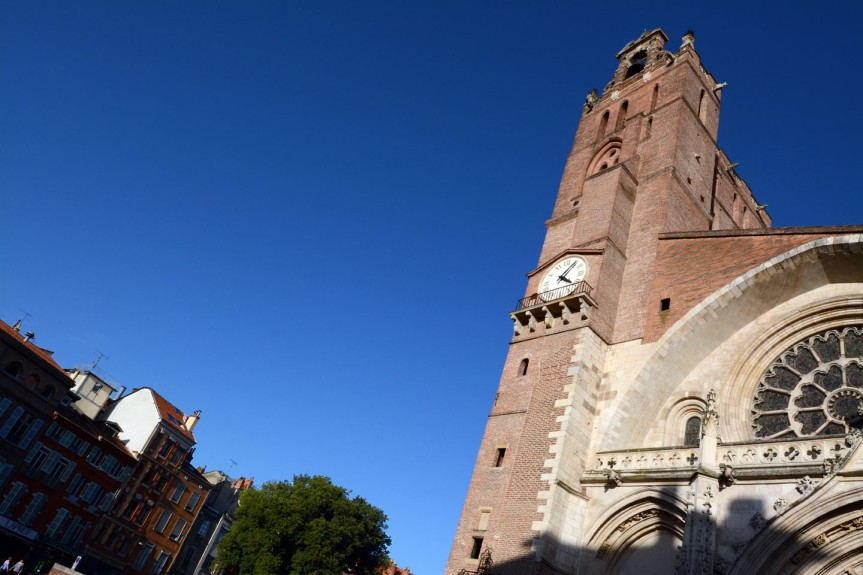 La place Saint-Etienne, où Lucilio Vanini fut brûlé en 1619 pour impiété, sorcellerie et corruption des moeurs (entre autres).