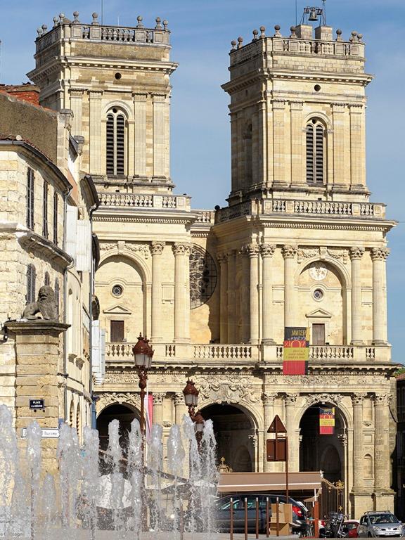 Façade de la Cathédrale d'Auch © Lionel Lizet / Office de tourisme du Grand Auch.
