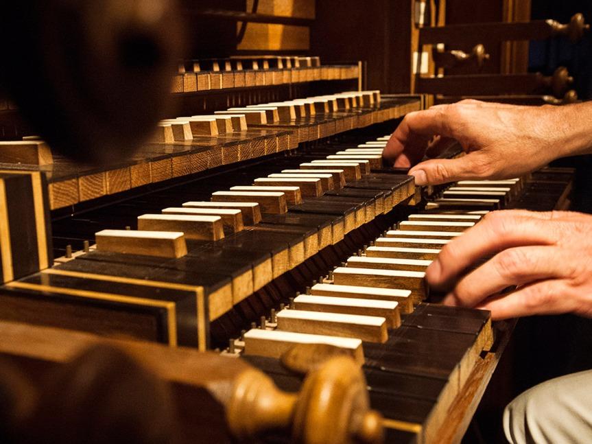 Organiste à l'oeuvre  © Lionel Lizet - Office de tourisme du Grand Auch.