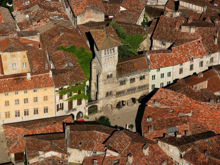 Le beffroi de l'Hôtel de Ville à Saint-Antonin.