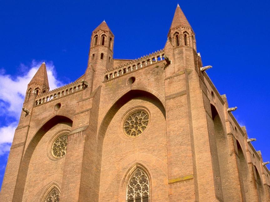 """L'ancien couvent des Jacobins à Toulouse : """"l'un des plus beaux exemples de construction en brique du Moyen Age"""" selon Violet-le-Duc."""