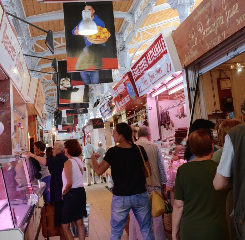 Marché St-Cyprien : sa halle est la seule du XIXème siècle qui subsiste à Toulouse.