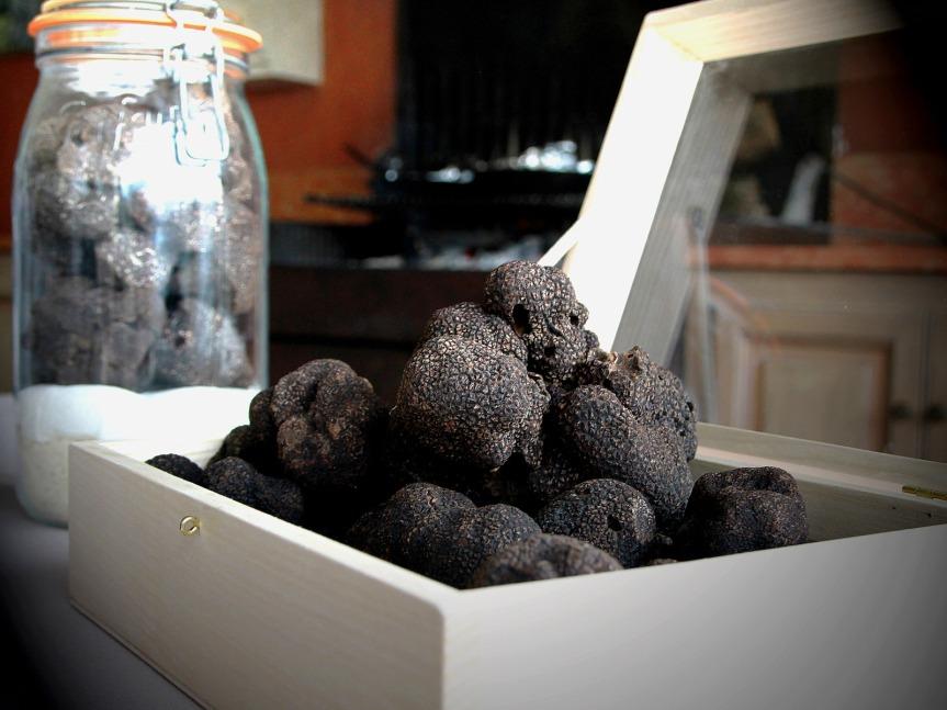 Truffes noires du Quercy dans la cuisine du restaurant Le Gindreau © CDT Lot
