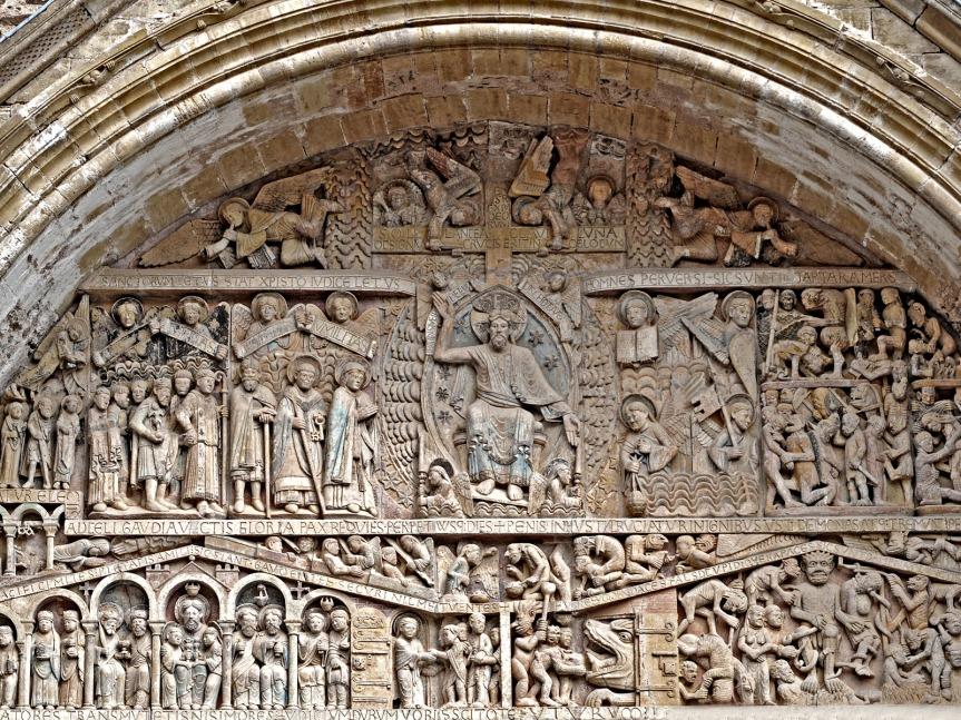 Achevé vers 1125, le tympan de l'abbatiale de Conques est un chef-d'oeuvre de l'art roman en Europe.
