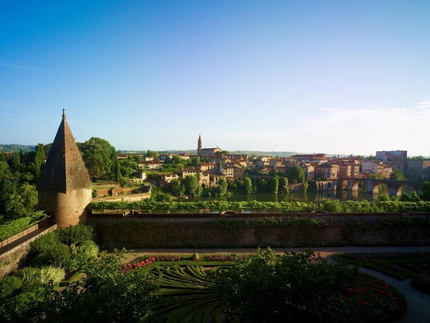Les jardins du Palais de la Berbie, en surplomb du Tarn.