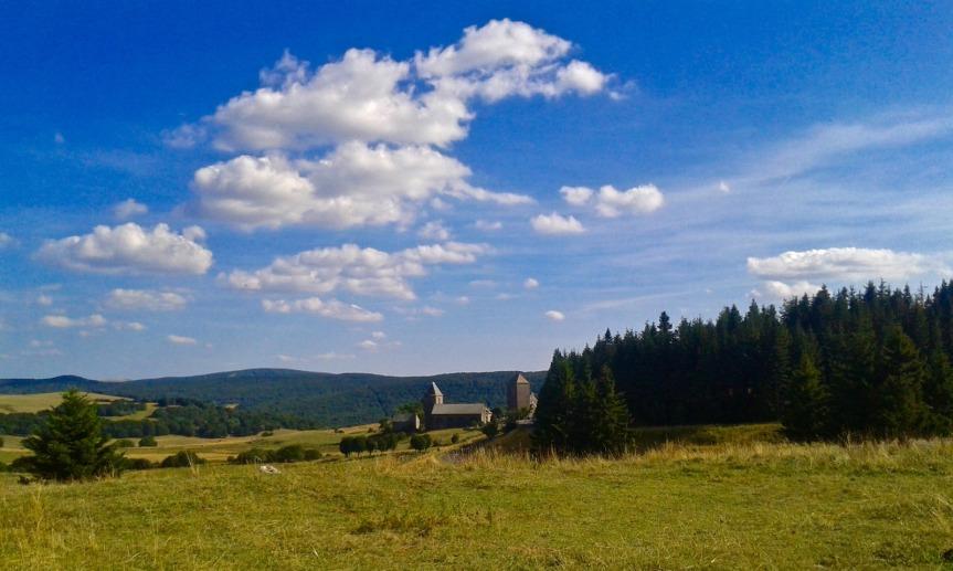 Incontournable, le village d'Aubrac et sa domerie (XIIème siècle).